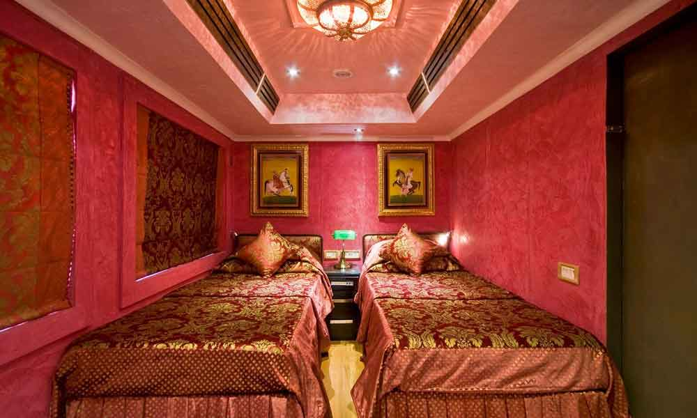 Ruby Deluxe Cabin of Palace on Wheels
