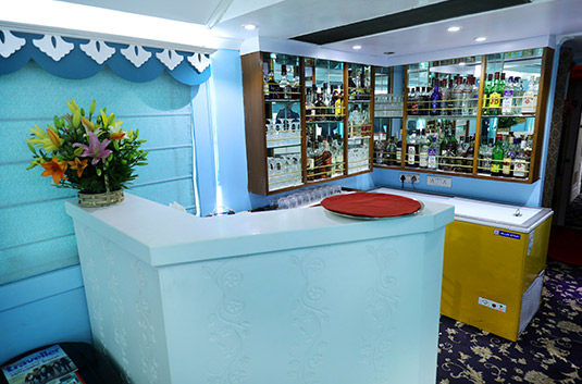 Palace on Wheels Lounge & Bar