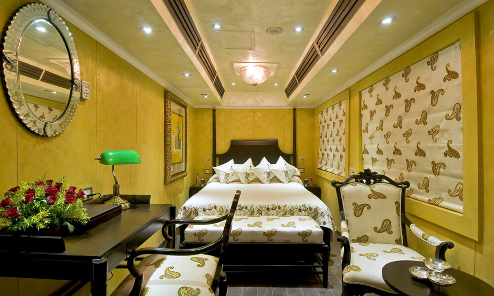 Super Deluxe Cabin - Palace on Wheels