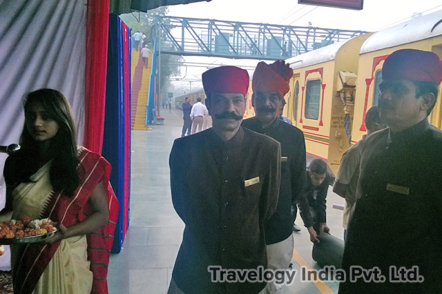 Palace on Wheels Luxury Train Arrival