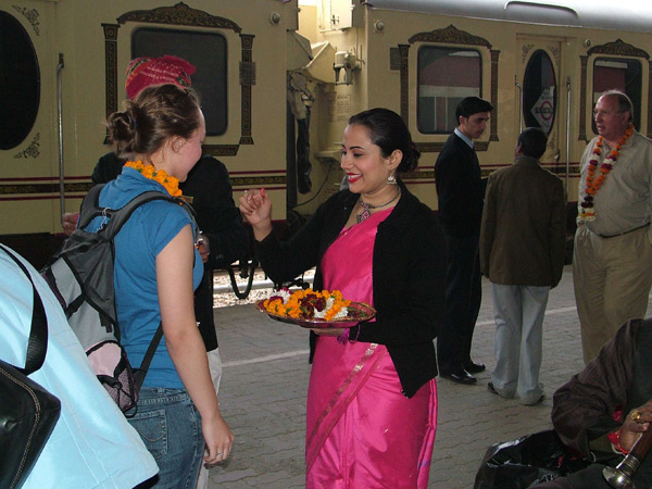 Palace on Wheels Train - Welcome Ceremony of Guests