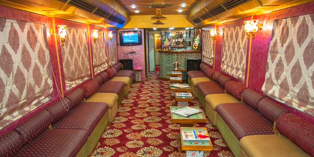Restro Lounge Sheesh Mahal - Palace on Wheels